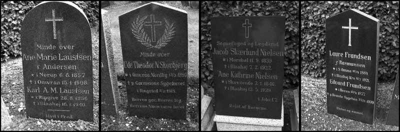 Gamle gravsten i gråtoner på Blåhøj Kirkegård i Nørvang Herred