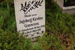Billede fra Ejstrup Kirkegård i Vrads Herred