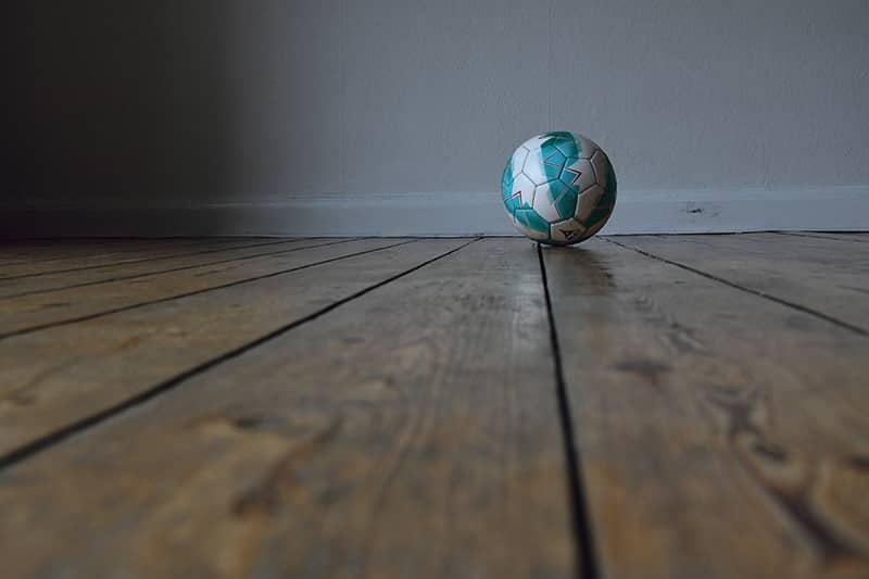 gulv og fodbold