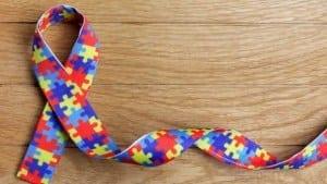 Aspergers syndrom illustreres ofte med puslespilbrikker